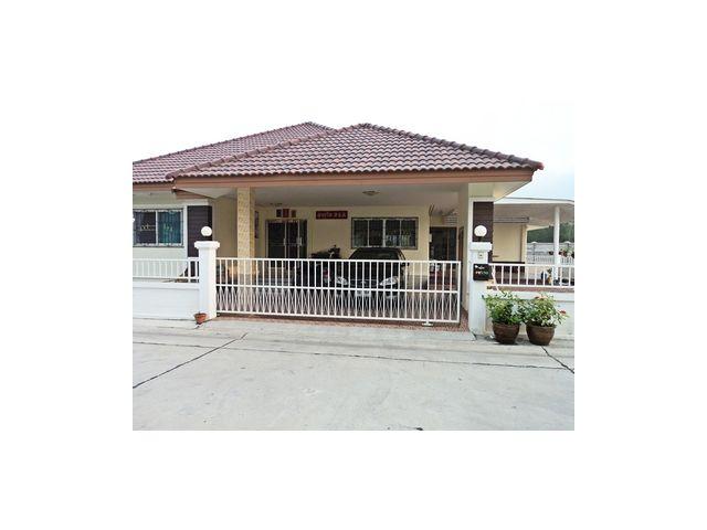ขายบ้านโครงการปิยะวัฒน์บางแสน บ้านเดี่ยว ชั้นเดียว เนื้อที่ 100 ตร.ว. ราคา 3,300,000 บาท ราคาถูกคุณภาพดี