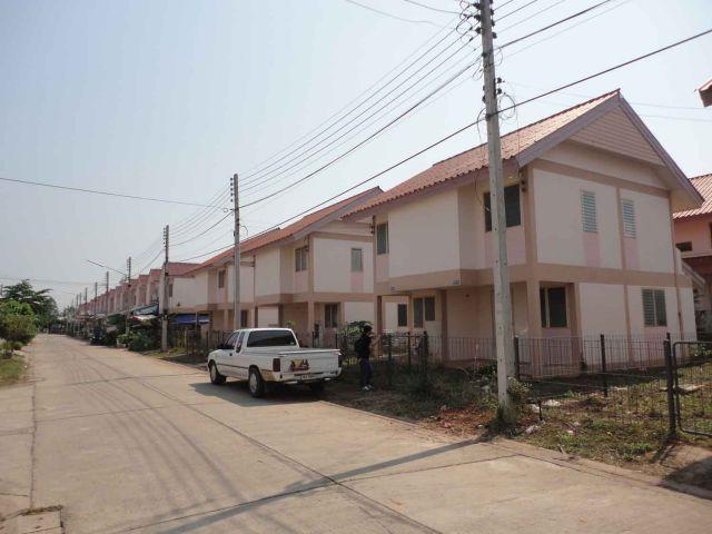 บ้านเอื้ออาทรใหม่  2 ชั้น หนองคาย-โพนพิสัย ให้เช่า  3000บาทต่อเดือน