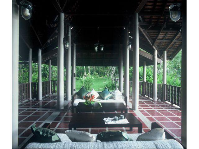 ขายด่วน ที่ดินพร้อมบ้านเรือนไทย 23 ไร่ คลองสามวา กทม.
