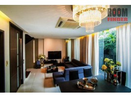 FOR RENT (สำหรับเช่า) Residence Sukhumvit 65 / 4 beds 5 baths 1 maid / 29 Sqw.**100,000** Fully Furnished. Amazing Decor