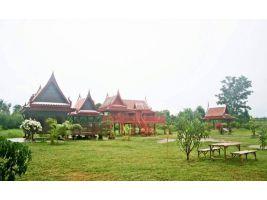 ขายบ้านทรงไทย 2 หลัง ศาลาทรงไทย 1หลัง