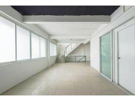 อาคารพานิชย์ ให้เช่า3 คูหา ตกแต่งกว้างขวาง สะอาด สุขุมวิท 39 ทำเลดี ติดถนนในซอย ใกล้ BTS พร้อมพงษ์ 48 ตารางวา