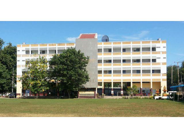 ขาย ที่ดิน พร้อมอาคาร 4 ชั้น 3 หลัง โรงเรียนบริหารธุรกิจกาญจนบุรี ท่ามะกา ด่วน