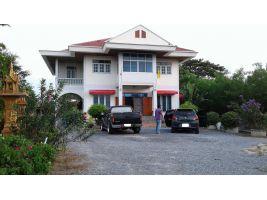 บ้านสองชั้นพร้อมที่ดิน บนเนื้อที่ 2 งาน ติดถนนลาดยาง อ.เมือง จ.สุพรรณบุรี