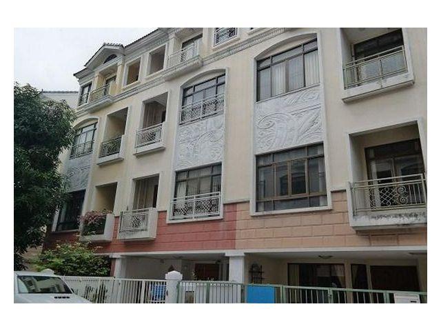 ให้เช่าทาวน์เฮ้าส์ 4 ชั้น บ้านกลางกรุงสาทร -เย็นอากาศ Baan Klang Krung Sathorn - Yen Akard สภาพใหม่
