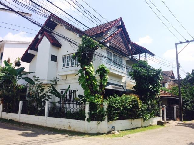ขายบ้านเดี่ยว หมู่บ้านริมคลอง ซอยพัฒนาการ 14