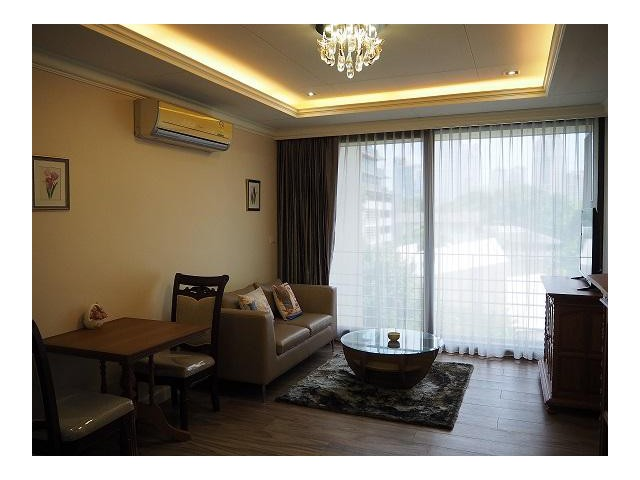 NOBLE AMBIENCE SARASIN for rent 50 sqm 1 bed and 30000 Bath per month