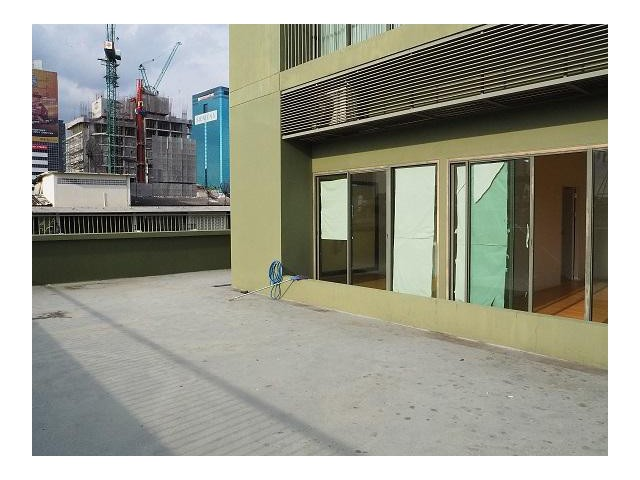 Noble Solo for rent 15 minute walk from BTS Thonglo station 40000 per month 1 bed 62 sqm