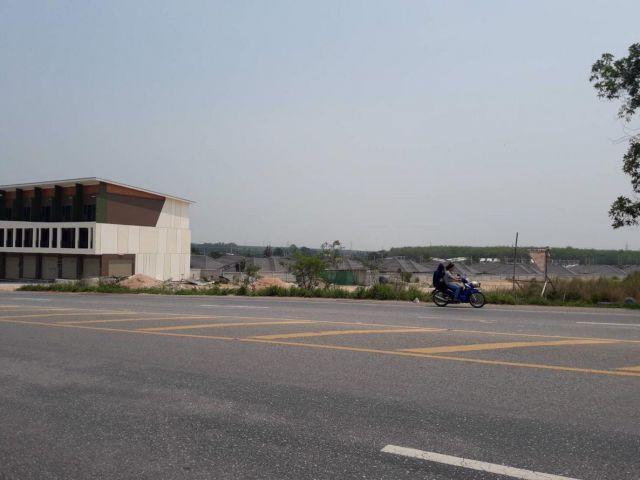 ขายที่ดินเปล่า ติดถนน ใกล้ห้าง CK 4 ไร่ ติดหมู่บ้าน SC