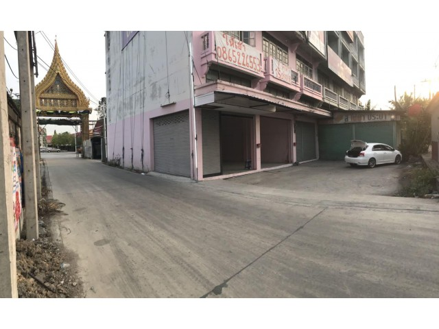 ให้เช่าตึกแถว อาคารพาณิชย์ 2 คูหา ถูกๆ  ติดถนนใหญ่ ลำลูกกา