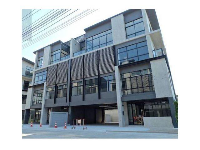 ขายถูกมาก ตึกสำนักงาน DISTRICT ศรีวรา ถนนศรีวรา พลับลา วังทองหลาง ตึก 4 ชั้น 2 คูหาตีทะลุ เนื้อที่ 99. 2 ตรว. มีลิฟท์ขนข